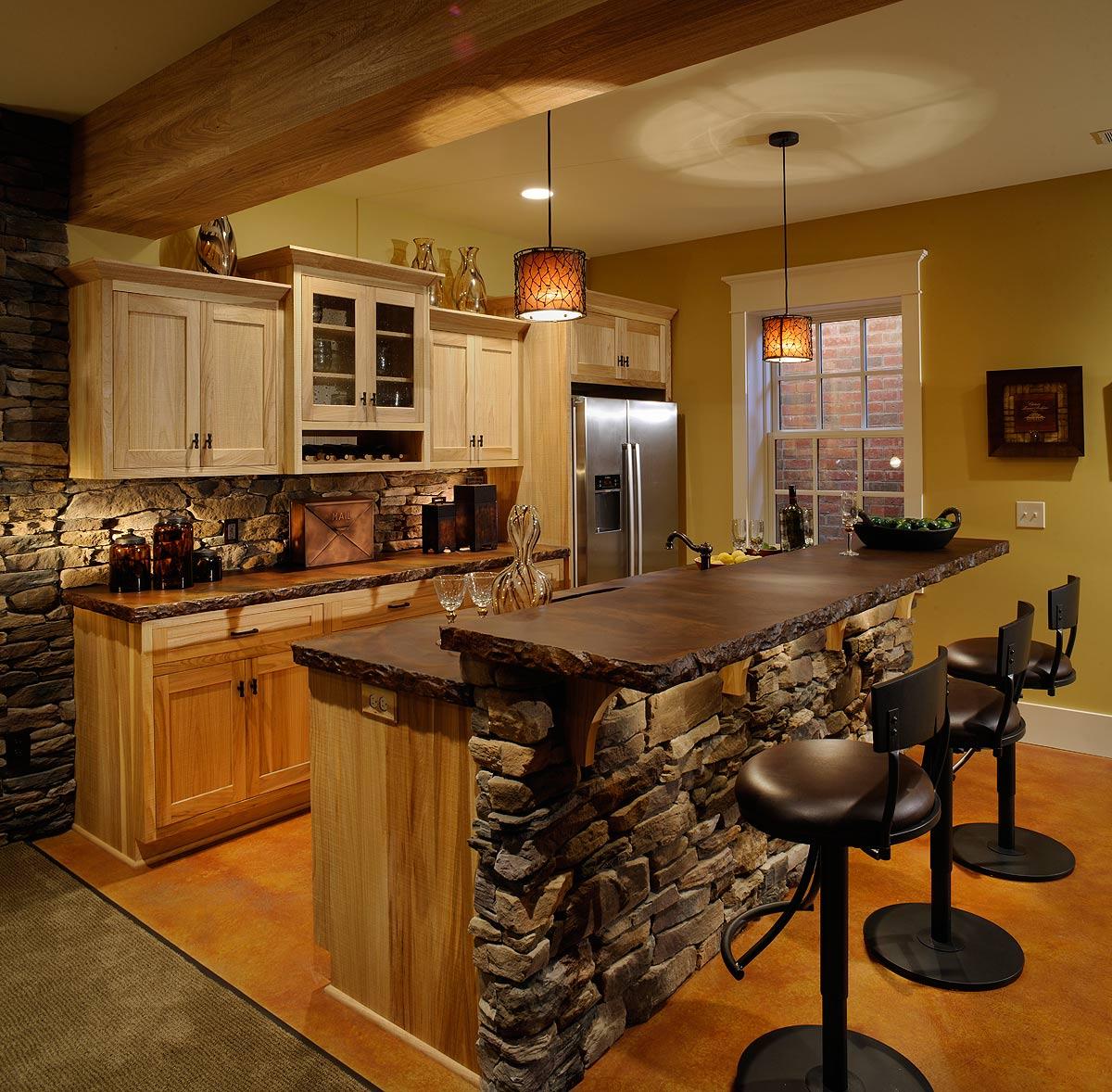 Rustic Cabin Living Room: Mullet Cabinet Cabin Room Wet Bar