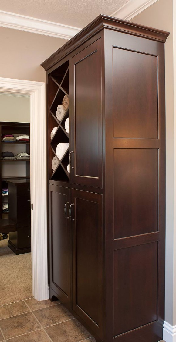 Bath-Towel-Cabinet