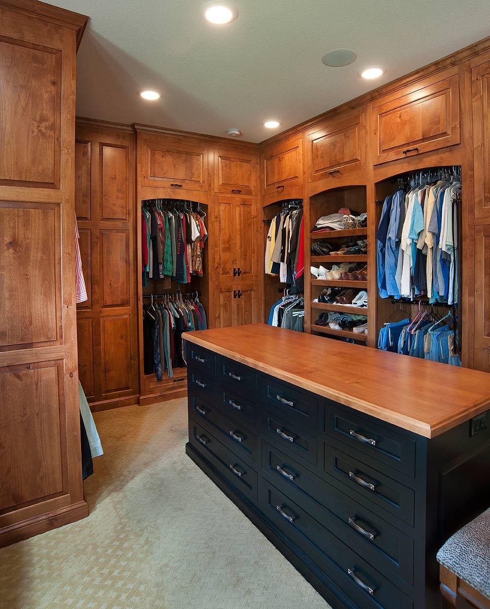 Mullet Cabinet