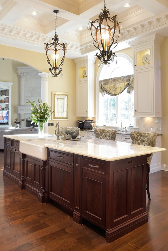 Mullet Cabinet Traditional Kitchen With Elegance And Style