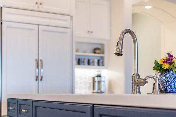 Lake-House-Kitchen-Island-Faucet