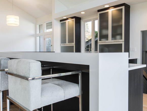 Sleek & Simple Modern Kitchen-1