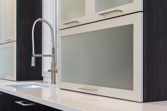 Sleek & Simple Modern Kitchen-6