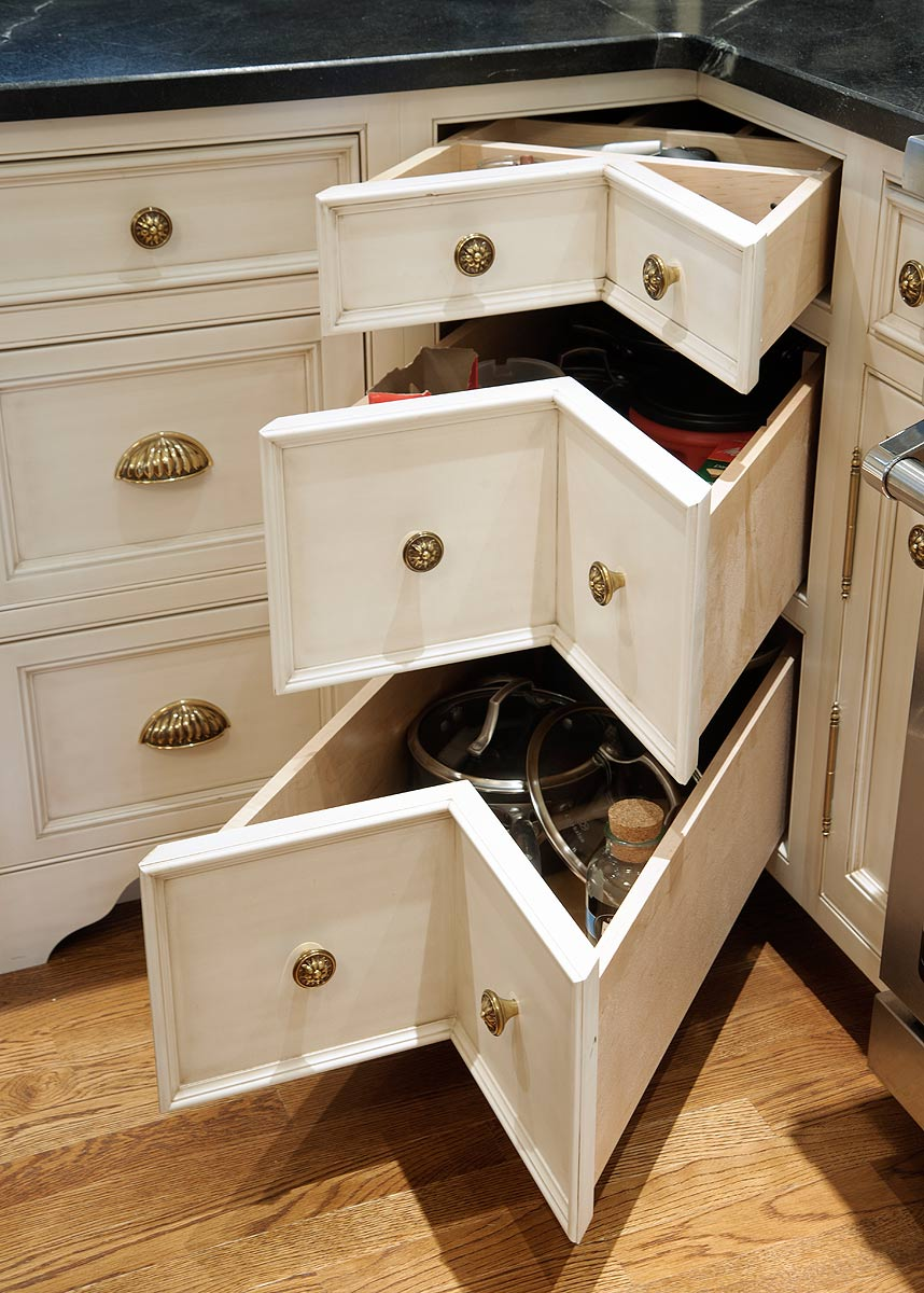 mullet cabinet  u2014 nantucket glazed kitchen with curly
